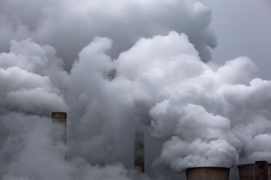 Controlling legionella in cooling towers