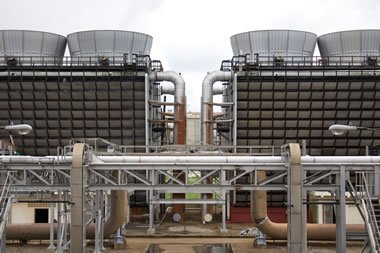 Legionnaires disease outbreaks, are cooling towers high risk?